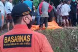 Tim SAR evakuasi empat penambang emas ilegal yang tewas