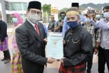Mendes PDTT serahkan 1.000 sertifikat lahan kepada transmigran di Sulbar