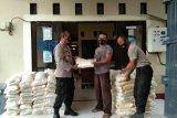 Polres Lombok Utara menyalurkan beras untuk warga terdampak COVID-19