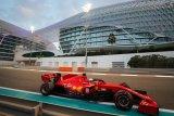 Sebastian Vettel pamit dari Ferrari dengan lagu dan trofi