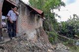 Tebing Sungai Winongo Yogyakarta longsor akibatkan satu rumah rusak