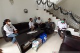 Biro Papua anjangsana dengan keluarga besar Antara