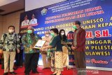 Gubernur Ali Mazi terima penghargaan dari ATL atas pelestarian budaya