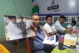 Tim Tri Suryadi-Taslim laporkan Suhatri Bur-Rahmang ke Bawaslu Sumbar terkait dugaan sejumlah pelanggaran