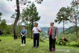 Luhut Panjaitan : China terus berinvestasi di kawasan Danau Toba