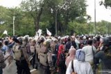 Petugas gabungan amankan 155 pengikut Rizieq Shihab hendak demo