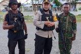 Rapat Pleno KPU Yalimo sempat ricuh, satu personel Polri terpanah