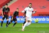 Kalahkan Nice 4-1, Lyon ambil alih puncak Liga Prancis