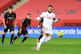 Lyon ambil alih puncak setelah kalahkan tuan rumah Nice 4-1