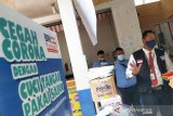 BRI Palangka Raya bagi-bagi masker untuk pedagang dan pengunjung Pasar Kahayan