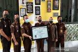 Kejari Batang raih penghargaan WBK  dari Kemenpan RB