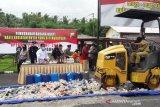 Ribuan botol minuman beralkohol di Temanggung dimusnahkan