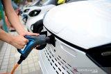 Tantangan hingga persaingan mobil listrik di Indonesia tahun depan
