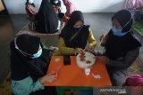 Pengusaha perempuan siap kirim kerajinan ketak Lombok ke Korea