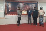 Kapolres Keerom mendapat penghargaan Bawaslu Award 2020