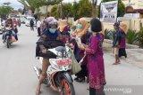 Peringati Hari Ibu Dharma Wanita USN Kolaka, Bagikan Masker