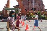 Jemaat di Gereja Katedral Denpasar patuh pada  protokol kesehatan