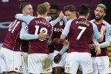 Villa tumbangkan Palace 3-0 meski bermain dengan 10 orang