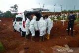 Pemakaman penuh, 158 pasien COVID-19 dimakamkan secara tumpang di Pondok Ranggon