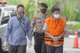 Eks direktur Garuda Indonesia didakwa terima suap dan pencucian uang