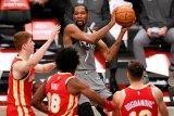 Kevin Durant dikabarkan absen bela Nets karena jalani karantina COVID-19
