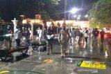 Petugas gabungan membubarkan setiap kerumunan di Titik Nol Yogyakarta