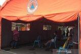 RSUD dr Moewardi Surakarta dirikan tenda sebagai antisipasi membeludaknya pasien COVID-19