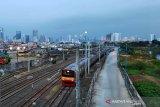 BMKG prakirakan hujan petir dan angin kencang guyur Jakarta