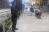 Tim Gegana Polda Sumut  siaga pengamanan di Bandara Kualanamu