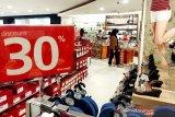 Pusat perbelanjaan jadi wisata alternatif warga di Palangka Raya