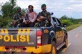 Patroli bersama TNI-Polri  di perbatasan RI-PNG