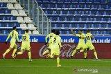 Luis Suarez kirim Atletico kembali ke puncak klasemen Liga Spanyol setelah kunci kemenangan 2-1 atas Alaves