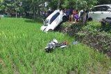 Kecelakaan maut di Praya Lombok Tengah, satu tewas kendaraan masuk sawah