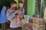Wujud rasa syukur Kabag Sumda Polres Pasaman Barat, Kompol Muzhendra santuni anak yatim (Video)