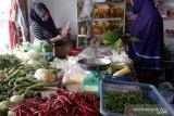 Sejumlah harga bahan pokok di Pekanbaru masih tinggi, cabai rawit tembus Rp100 ribu