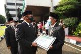 Kepala KUA Cimahi Tengah mendapat penghargaan karena tolak gratifikasi