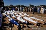 Nigeria berkabung, selidiki pembantaian 100 warga sipil di dua desa