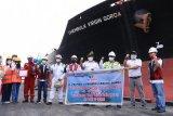 Pelindo Dumai Apresiasi Kapal Terakhir Berlayar 2020 dan Perdana Sandar Tahun 2021