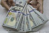 Investor menahan diri jelang keputusan Fed, dolar AS beragam