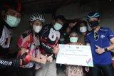 Pelari dan pesepeda galang donasi, lebih dari 8.000 keluarga prasejahtera nikmati sambungan listrik gratis