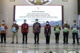 Olly-Wagub-Sekprov ikuti penyerahan SK Perhutanan Sosial oleh Presiden Jokowi