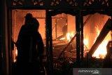 10 petak rumah terbakar di Padang