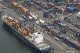 Harapan neraca perdagangan mulai surplus seiring kinerja positif industri