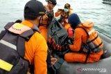 Basarnas menyerahkan temuan barang terkait Sriwijaya Air SJ-182 ke KNKT