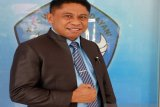 Kadis Pendidikan Papua menjadi relawan penerima vaksin tahap pertama
