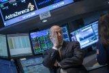 Wall Street beragam saat teknologi besar jatuh