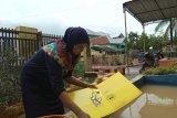Banjir Solok juga putuskan banyak pipa PDAM, akibatnya sejumlah daerah kesulitan air bersih