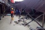Dua rumah warga di Natuna roboh  dihantam ombak tinggi