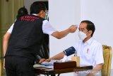 Sejumlah pertanyaan yang diajukan ke Jokowi sebelum divaksin