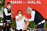 Presiden Disuntik Dosis Pertama Vaksin COVID-19